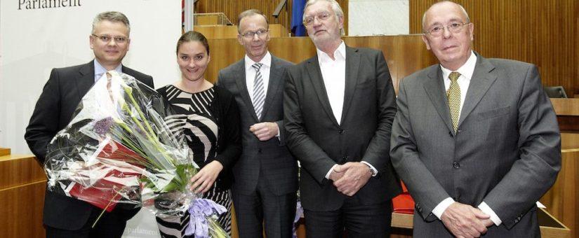 v.links: Dieter Bornemann mit seinem Team des ORF, Dr. Strohmayer und der Praesident des Presseclub Concordia, Peter Bochskanl