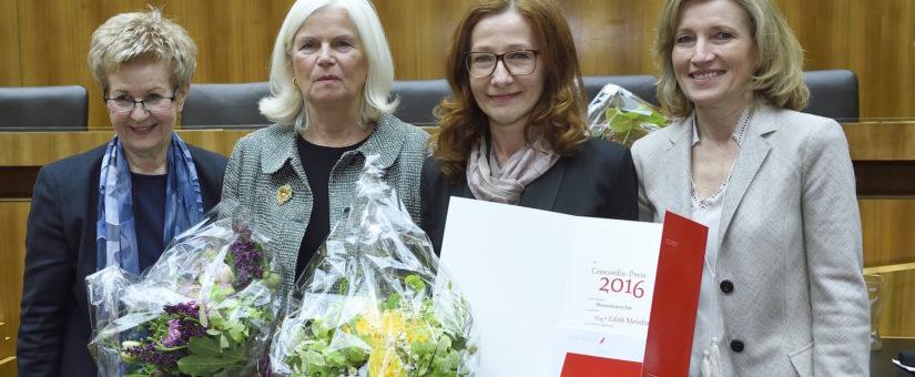 Von links: Generalsekretärin Presseklub Concordia Astrid Zimmermann, Journalistin Elfriede Hammerl, Preisträgerin Edith Meinhart, Vizepräsidentin des Presseklub Concordia Martina Salomon